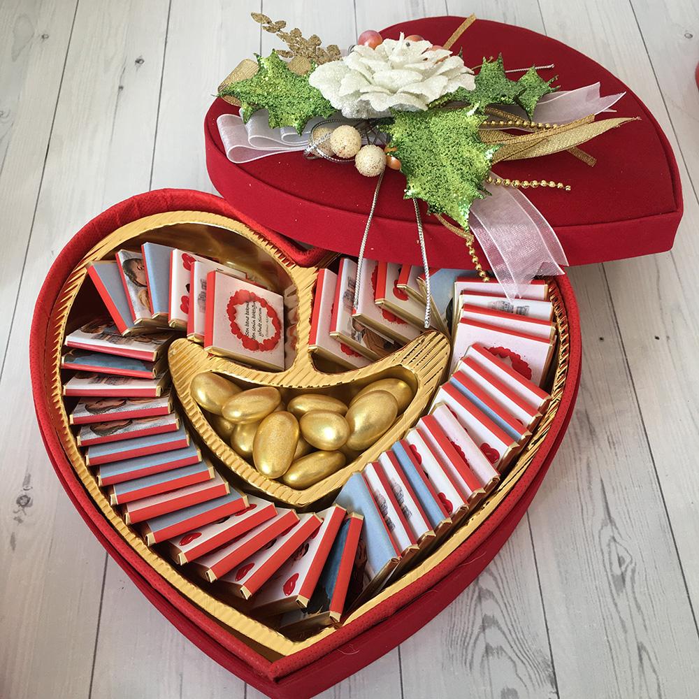 Sevgiliye Hediye Kadife Kalp Kutu İçinde Çikolata