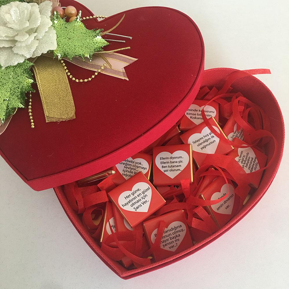 Kadife Kalp Kutu İçinde Çikolatalı Hediye Paketi