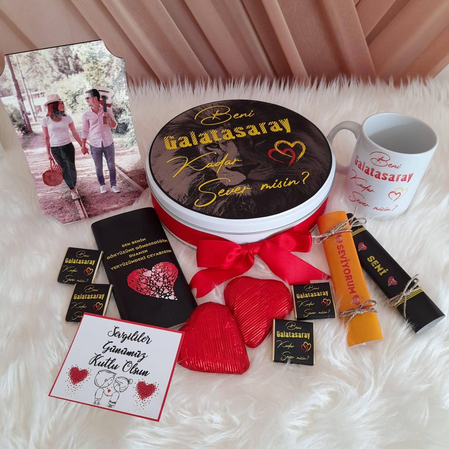 Sevgiliye taraftar çikolatası, sevgiliye hediye, galatasaraylı , sevgililer günü çikolatası